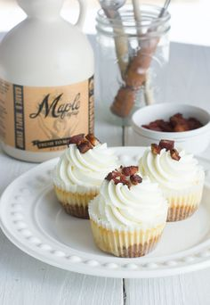 Best Maple Bacon Cheesecake Recipe #cheesecake #recipe #cheesecakerecipe #maplebaconcheesecake #baking #cupcakes