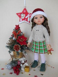 новогодний наряд для куклы Паола Рейна Master Class, Doll Clothes, Crochet Hats, Dolls, Christmas Ornaments, Holiday Decor, Shoes, Fashion, Crochet Doll Clothes