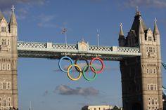 Londen, Olympics 2012, Tower Bridge. de Tower Bridge vind ik echt heel mooi. Het is heel imposant om het te zien en staat in een mooie omgeving. Dit is 1 van mijn favoriete plekje in Londen.