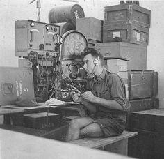 Un soldat allemand à l'écoute d'un Torn.Fu.b1