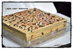 Resep pakai resep Lapis legit Ny. liem yang sudah pernah di post sebelumnya, perbedaan sedikit di jumlah tepung terigu dan gula ha... Brownie Cupcakes, Cake Cookies, Tea Cakes, Cupcake Cakes, Lapis Surabaya, Lapis Legit, Tiramisu Cake, Sponge Cake, Donuts