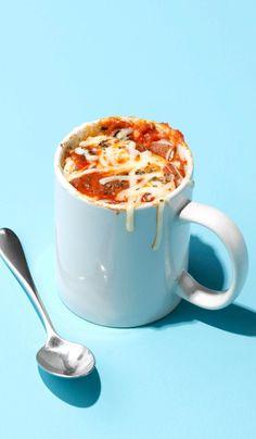 pizza mug recipe & pizza mug recipe ` pizza mug ` pizza mug cake ` pizza muffins Microwave Mug Recipes, Microwave Dinners, Mug Cake Microwave, Microwave Pizza, Chocolate Hazelnut Cake, Chocolate Recipes, Mug Dinner, Pizza In A Mug, Single Serve Desserts
