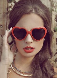 heart glasses. Man I want a pair of these.