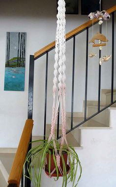 Macrame pattern for a plant hanger