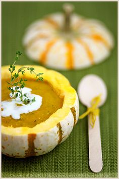 Fall Vegetable Soup - recipe can be found in La Tartine Gourmande's website. Fall Soup Recipes, Pumpkin Recipes, Butternut Soup, Vegetable Medley, Toasted Pumpkin Seeds, Paleo, Pumpkin Soup, Pumpkin Mousse, Herd