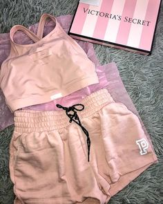 Pin by Abriana Fuentes on Victoria Secret PINK in 2019 Cute Lazy Outfits, Teenage Outfits, Sporty Outfits, Pink Outfits, Swag Outfits, Summer Outfits, Fashion Outfits, Vs Pink Outfit, Fashion Purses
