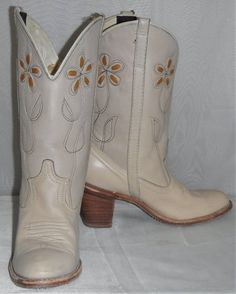 613ea320566 94 Best Vintage Boots images in 2019 | Cowboy boot, Cowboy boots ...