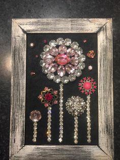 Mini jewelry art framed vintage jewelry art pictures framed jewelry art jewelry wall decor jewelry C Costume Jewelry Crafts, Vintage Jewelry Crafts, Recycled Jewelry, Jewelry Frames, Jewelry Wall, Jewelry Tree, Jewlery, Wine Glass, Glass Art