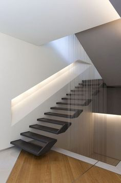 If we talk about the staircase design, it will be very interesting. One of the staircase design which is cool and awesome is a floating staircase. This kind of staircase is a unique staircase because Home Stairs Design, Interior Stairs, Modern House Design, Home Interior Design, Stair Design, Railing Design, Staircase Design Modern, Studio Interior, Contemporary Stairs