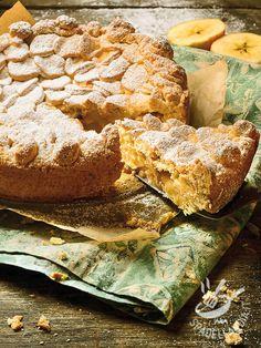 Torta della nonna alle banane: una rivisitazione di uno dei dolci più classici con una crema pasticcera arricchita da cremose banane. Piacerà a tutti!