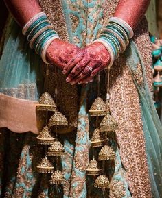 Get the new collection of lehenga chunni online. Enhance your beauty with the latest collection of lehenga choli, lehenga chunni designs, images online. Indian Wedding Jewelry, Indian Bridal, Indian Bangles, Bridal Bangles, Bridal Jewelry, Bridal Chuda, Desi Wedding, Wedding Ideas, Mariage