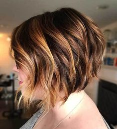 Best Short Layered Haircuts for Women Over 50 - The UnderCut Short Choppy Bobs, Short Layered Haircuts, Wavy Bobs, Modern Haircuts, Short Hair Cuts, Short Hair Styles, Bob Styles, Layered Bobs, Boy Haircuts