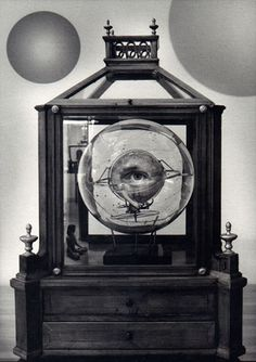 Jerry N. Uelsmann - Homage to Joseph Cornell History Of Photography, Creative Photography, Art Photography, Jerry Uelsmann, Joseph Cornell, Surrealism Photography, Conceptual Art, Photomontage, All Art