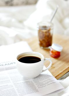 7 morning habits that will change your life: What do you feel right after you open your eyes in the morning?  Chances are, all you want to do is roll over and go back to sleep. In today's post I'll talk about few of my daily habits that make me feel excited for each morning. |Thirteen Thoughts