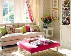 6- Colocar muchos almohadones y jugar con las texturas y los colores. Esto le va a dar alegría y modernidad al ambiente.