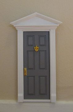 Tooth Fairy Door. Awww I want my kids to have a tooth fairy door!