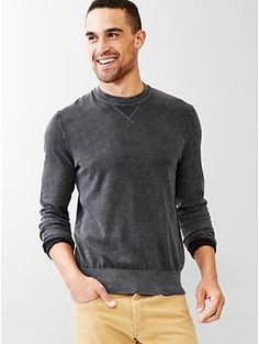 Surf wash sweater - Garment-dyed for a cool, washed-down look and soft feel. Perfect for summer nights on the beach.
