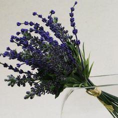 Découvrez nos bouquets de lavandes artificiels réalistes à petit prix. Faites entrer la Provence chez vous ! - L'été indien