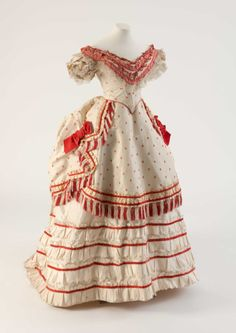 Fripperies and Fobs Evening dress, 1870′s  From the Fashion Museum, Bath on Twitter