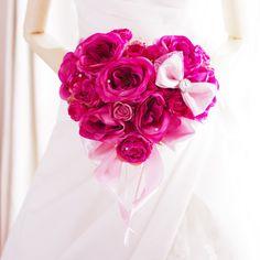 アートフラワー(造花)のバラでハート型ウェディングブーケを制作しました。お色の変更等、オーダーメイドも可能です。