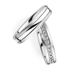 Couple Wedding Band with Diamond. Available in Gold, Palladium, Platinum #weddingbands