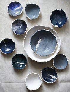 fazer potinhos de argila (sei la) e pintar