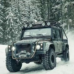 Defender - off-road.