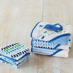 Whale looky here!Adorable hooded towels and wash cloths sets in those gorgeous baby blues #baby #bathtime #socute #instapun #bathroomstyle #brandnew