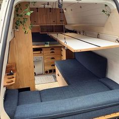 Could you live here? Tiny Living, Home And Living, Saint Nazaire, Tiny House Nation, Old Beds, Tiny House Movement, Do You Like It, Camping Car, Tiny House Design