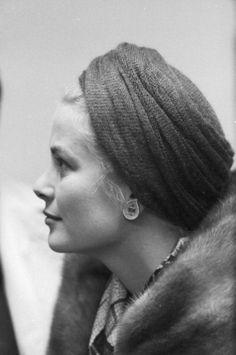 Perfect profile! Grace Kelly
