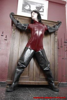 Rubberboots and Latex 1014 klein.002