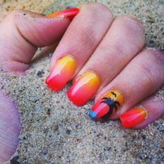 Summer Nails Palm Tree Sand