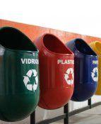 Contenedores de Reciclaje, metálicos, estáticos. Ideal para plazas, parques, universidades. Con logo de reciclaje y concepto a reciclar. Su colocación debe ser directa con pernos de anclaje en cemento.