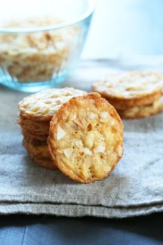 Thin & Crispy Gluten Free Coconut Cookies Recipe. This is your new favorite cookie! #dessert