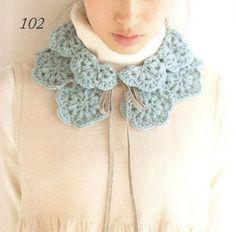 모티브케이프도안 / 꽃 모티브가 예쁜 미니 케이프 무료도안 : 네이버 블로그 Crochet Cape, Love Crochet, Diy Crochet, Crochet Crafts, Knitted Shawls, Crochet Scarves, Crochet Winter, Crochet Collar, Embroidery Dress