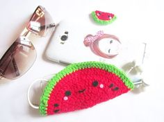 Crochet Phone Pouch DIY headphone holder - A little love everyday! Crochet Phone Cases, Crochet Pouch, Diy Phone Case, Free Crochet, C2c Crochet, Crochet Purses, Crochet Gifts, Phone Cover, Headphone Holder