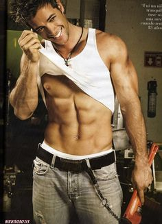 William Levy - So Hot!: This guy is just the epitome of sexy. Washboard abs and a beautiful smile. He's so hot Gorgeous Men, Beautiful People, Hello Gorgeous, Elizabeth Gutierrez, Le Male, Hommes Sexy, Male Model, Actor Model, Model Face
