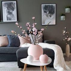 Is To Me - Skandinavisches Design, Haushaltswaren, Accessoires und mehr, Home Living Room, Living Room Designs, Living Room Decor, Living Room Canvas, White Home Decor, Living Room Inspiration, Room Colors, Modern Decor, House Design