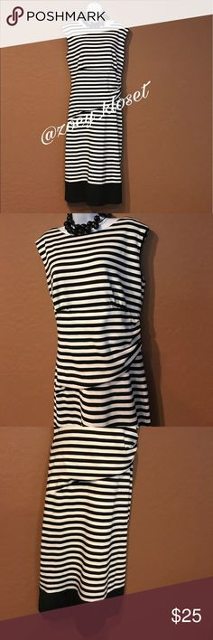 👗I. N. Studio Black White Striped Dress Excellent Condition, Stretch, Sleeveless, Gather Side, Back Zipper. I.N. Studio Dresses
