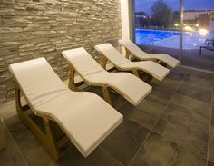 #lettino o #piscina? A voi la scelta!