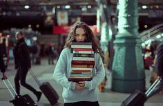 The traveling bibliophile by Marta Bevacqua (martabevacquaphotos) Website Good Books, Books To Read, Marta Bevacqua, World Of Books, Great Stories, Bibliophile, Love Book, Bookstagram, Book Worms