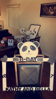 Panda Birthday Party, Panda Party, 11th Birthday, First Birthday Parties, First Birthdays, Diy Party Crafts, Craft Party, Baby Shower Oso, Pretty Hurts