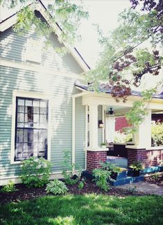 I love the brick/siding combo. Exterior House Colors, Exterior Paint, Exterior Homes, Brick Siding, House Siding, Paint Color Combos, Paint Colors For Home, Cottage Homes, House Painting
