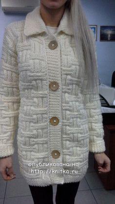 Вязаное спицами пальто – работа Ольги. Вязание спицами.