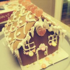 My gingerbread house made with my dad 🎅🎄 House Made, Gingerbread, Cake, Desserts, Projects, Diy, Crafts, Inspiration, Food