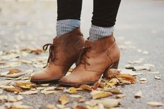 boots + socks= me! I always get tall boot socks at AE. Socks Outfit, Clogs, Cute Boots, Boot Socks, Facon, Sock Shoes, Autumn Winter Fashion, Me Too Shoes, Style Me