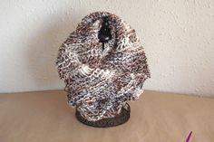 """#Cuello ref. cupla030 de lana en """"mecha"""" acrílica 100% ligada con peluche de poliamida. Suaves al tacto y color en degradé.en tonos marrones y grises. Más en www.eltallerdenoa.com #scarf #muffler #Knitting #puntodemedia #wool"""