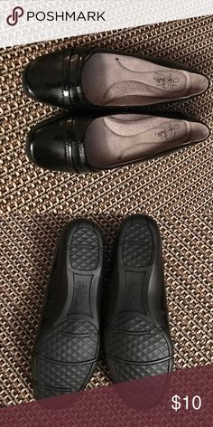 Lifestride Softsystem Ladies Flats-8.5M Brand new. Soft and cushiony flats by Lifestride. Lifestride Shoes Flats & Loafers