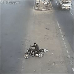 This motorcyclist. | 26 People Who Got So Darn Lucky