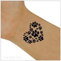tatouage femme coeur traces de pattes